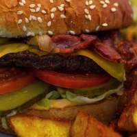 Chrunchy Chili Cheese Burger
